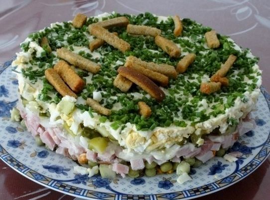 salat-na-trave-drova