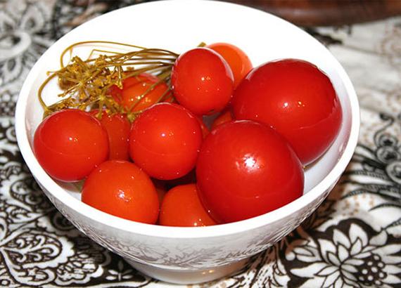 kak-prigotovit-saharnyie-pomidorki