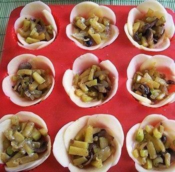 kartofelnyie-tsvetochki-korzinochki-s-nachinkoy