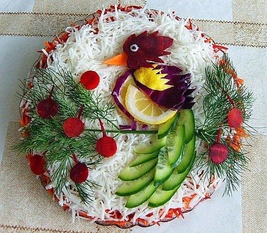 krasivoe-oformlenie-prazdnichnyih-salatov