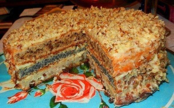 populyarnyiy-trehsloynyiy-domashniy-tort