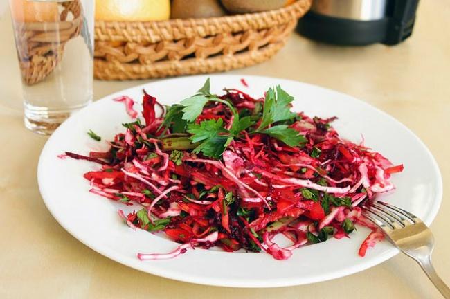 bolshaya-podborka-salatov-dlya-ochistka-organizma
