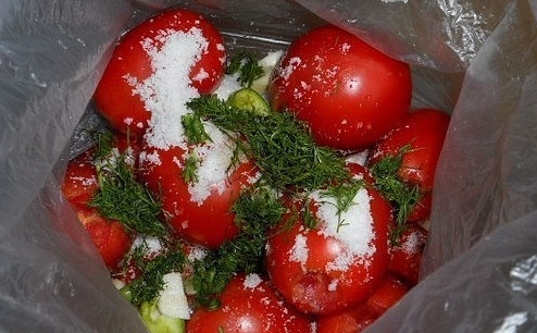 Вкусные помидорки в пакетах