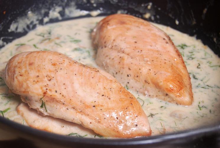 Куриная грудка, приготовленная под загадочным соусом